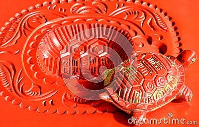 Härlig kinesisk garnering, lycklig sköldpaddaskulptur