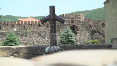 Hölzernes Kreuz in Georgia stock footage
