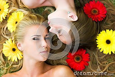 Haare in den Blumen