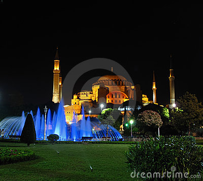 Free Hagia Sophia At Night Royalty Free Stock Image - 18645076
