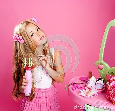 Hairdresser blond fashion doll girl