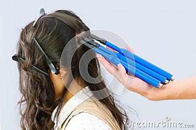 Hairdresser with plait-maker