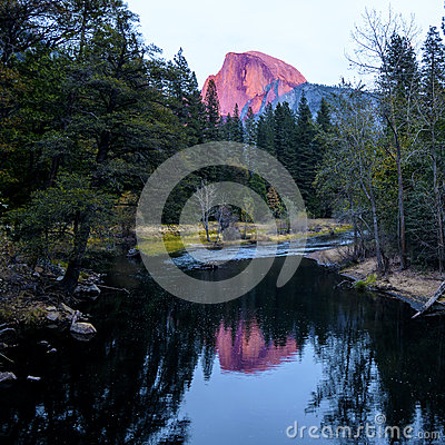 Free Half Dome During Sunset At Yosemite National Park Royalty Free Stock Photography - 61374667