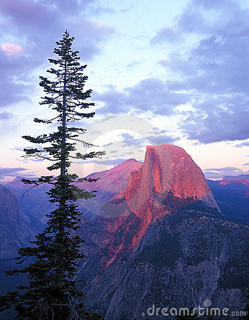 Free Half Dome From Glacier Point Stock Photography - 577562
