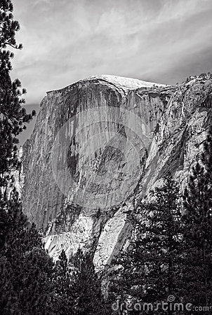 Free Half Dome In Black And White Stock Images - 33798184