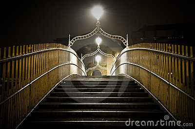 Halfpenny bridge dublin ireland