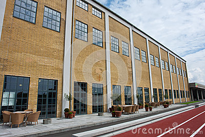 Hall moderne de récréation de sport