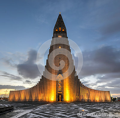 Free Hallgrimskirkja Cathedral In Reykjavik, Iceland Royalty Free Stock Photo - 39315725