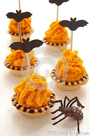 Halloween cake with orange cream