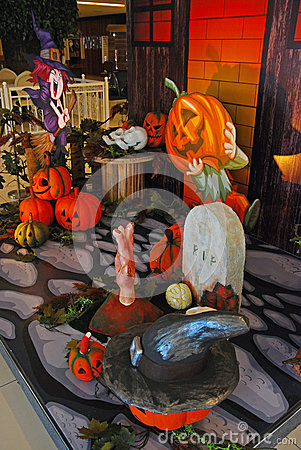 Free Halloween Decoration In Shopping Center Stock Images - 34726114