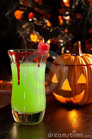 Free Halloween Drinks - Vampire S Kiss Cocktail Stock Photo - 10825380