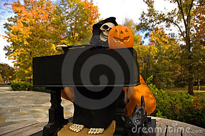 Halloween Ghoul Playing a Piano-2