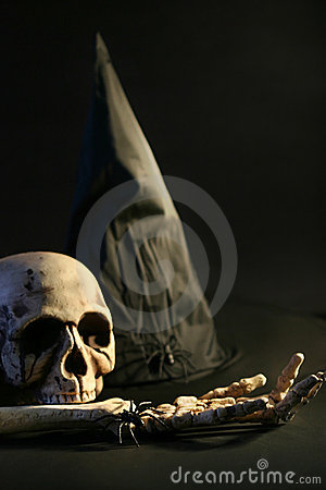 Halloween hat and skull