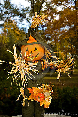 Free Halloween Jack-o-lanten Scarecrow - 1 Royalty Free Stock Images - 1487809