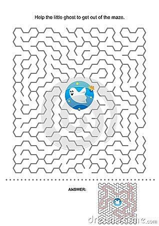 Free Halloween Maze Game For Kids Stock Photo - 27232520