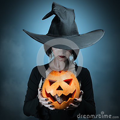 Free Halloween Pumpkin And Gray Mouse Royalty Free Stock Photo - 34344315