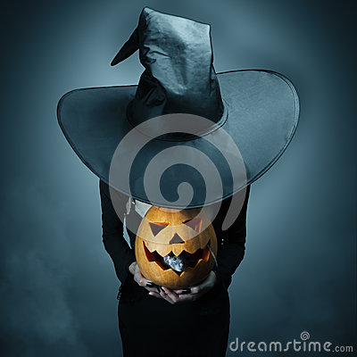 Free Halloween Pumpkin And Gray Rat Stock Photography - 33287402