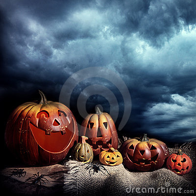 Free Halloween Pumpkins At Night Royalty Free Stock Photos - 20527428