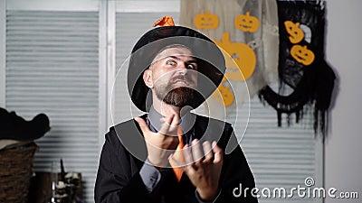 halloween. sk?ggig man. Guiden Fader Spela upp. fantasi. H?st. Halloween deltagare. 31 Oktober. vektor f?r stil f?r hattsymbolsill arkivfilmer