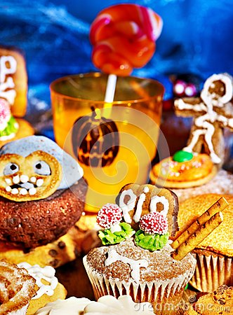 Halloween table with trick or treat
