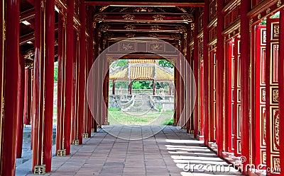 Halls of the Citadel, Hue