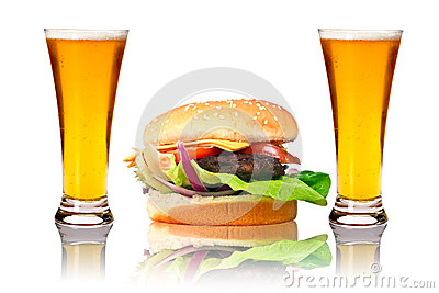 Hamburger with two beers