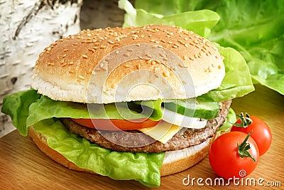 Hamburguesa de los alimentos de preparación rápida