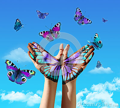 Free Hand And Butterflys Royalty Free Stock Photography - 39494457