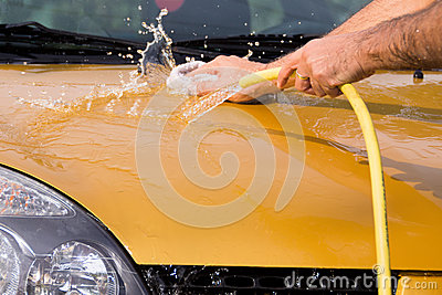 Hand car wash - bonnet