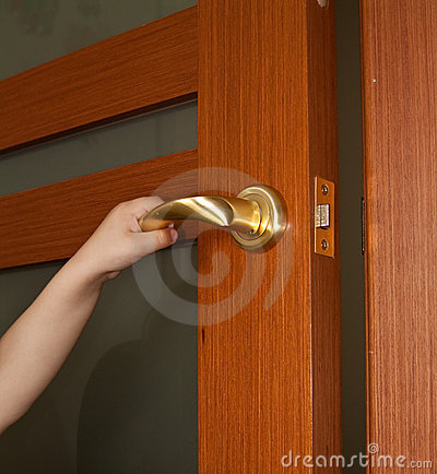 Free Hand Opening Door Royalty Free Stock Image - 14897246