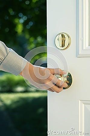 Free Hand Opening Door Stock Photography - 16807182