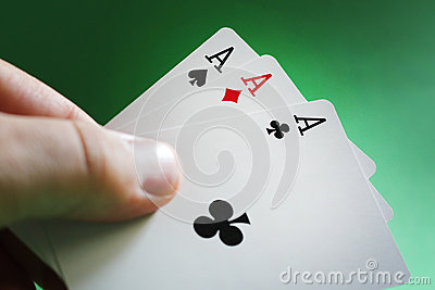 Hand playing poker