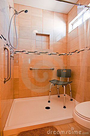 Free Handicapped Shower Stall Royalty Free Stock Photo - 18566595
