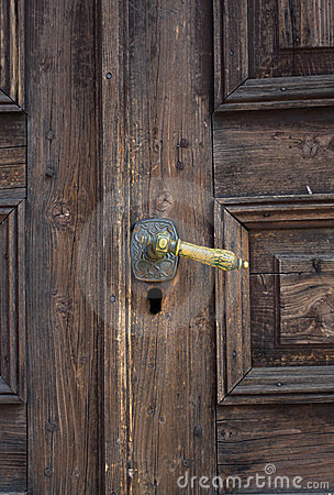 Handle knocker