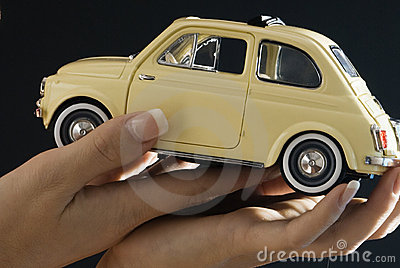 Hands and 500 fiat