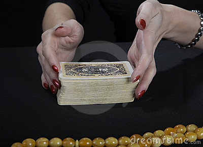 Hands of the fortuneteller