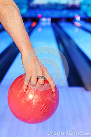 Hands, which prepares to throw in bowling