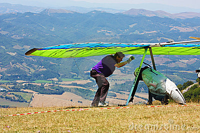 Hang gliding competitions in Italy Editorial Image