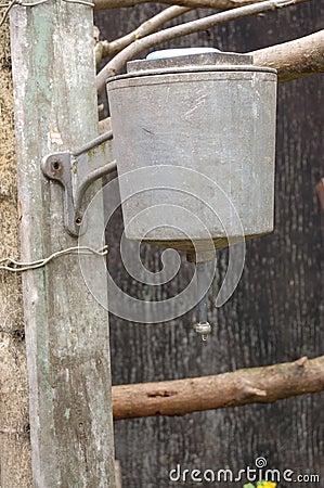 Hanging washstand