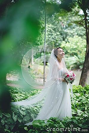 Free Happy Asian Bride Stock Photography - 47071202