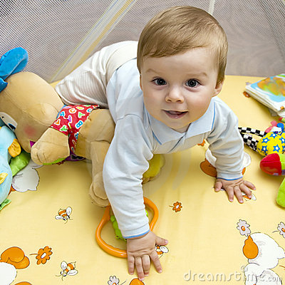 Free Happy Baby On Bed Royalty Free Stock Photo - 16241685
