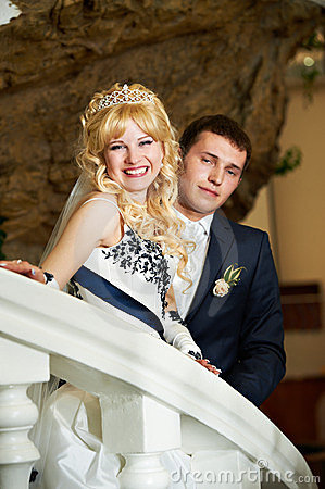 Free Happy Bride And Groom On A White Ladder Royalty Free Stock Images - 23552079