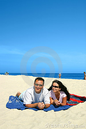 Free Happy Couple On The Beach Stock Image - 157151