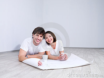 Happy Couple planning new room