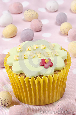 Happy easter cupcake with a flower