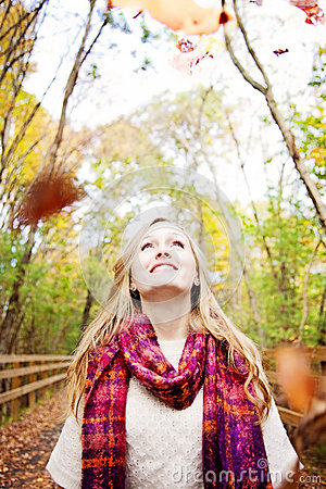 Free Happy Fall Woman Royalty Free Stock Photography - 26731077