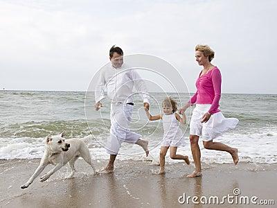 الطفل الموهوب happy-family-on-the-