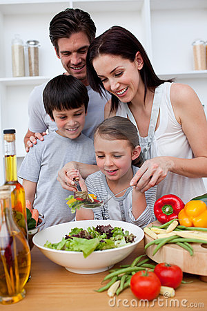 Free Happy Family Cooking Together Royalty Free Stock Photos - 11997058
