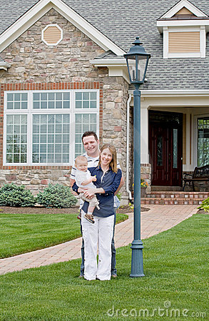 Free Happy Family In Yard Stock Images - 9585444
