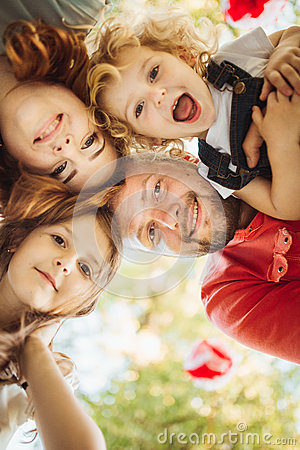 Free Happy Family On Nature Photoshoot Royalty Free Stock Images - 53580379